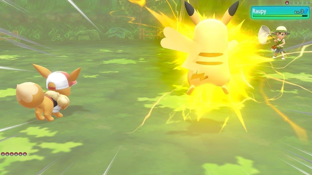 Evoli und Pikachu gemeinsam im Kampf.