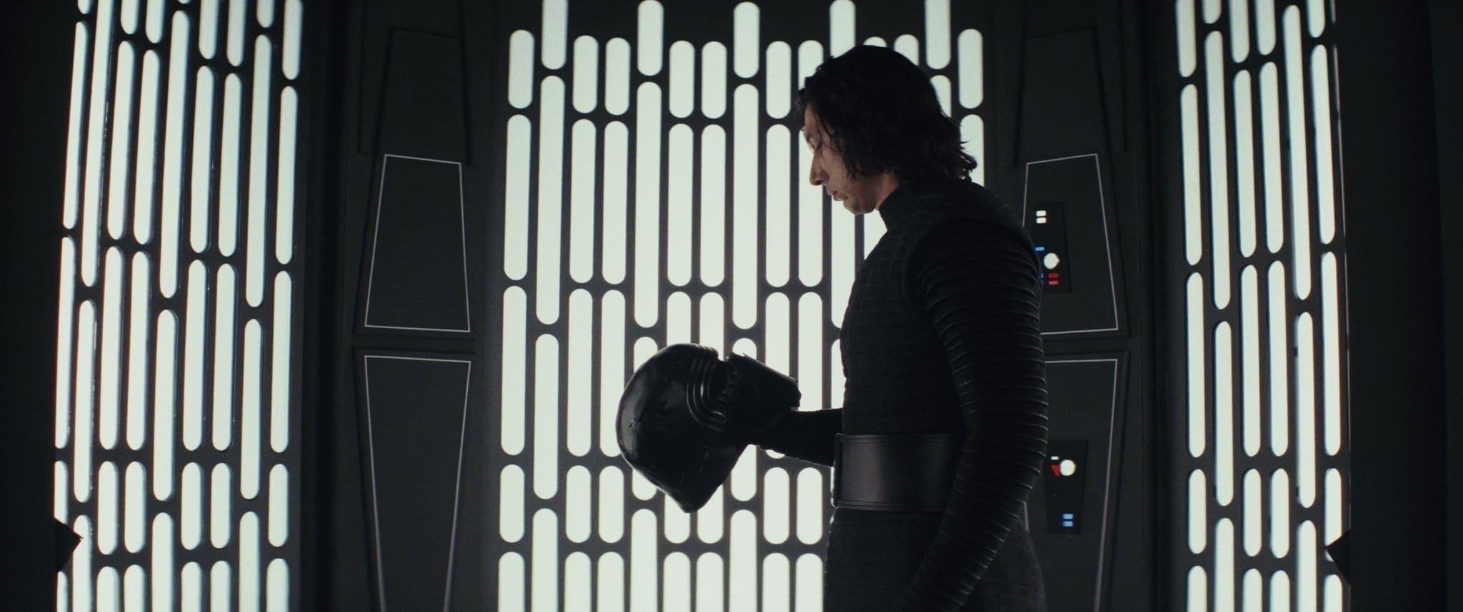 Star Wars: The Last Jedi..Kylo Ren (Adam Driver)..Photo: Lucasfilm Ltd. ..© 2017 Lucasfilm Ltd. All Rights Reserved.