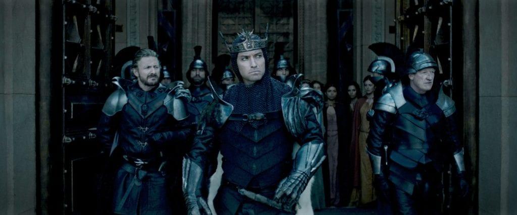 "Bildnachweis: © Warner | Szene aus ""King Arthur: Legend of the Sword"""