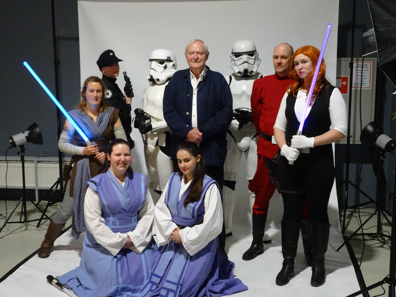 Die Mitglieder des Star Wars Fanclubs mit Julian Glover aka General Veers (Foto: Richard Nestelberger)