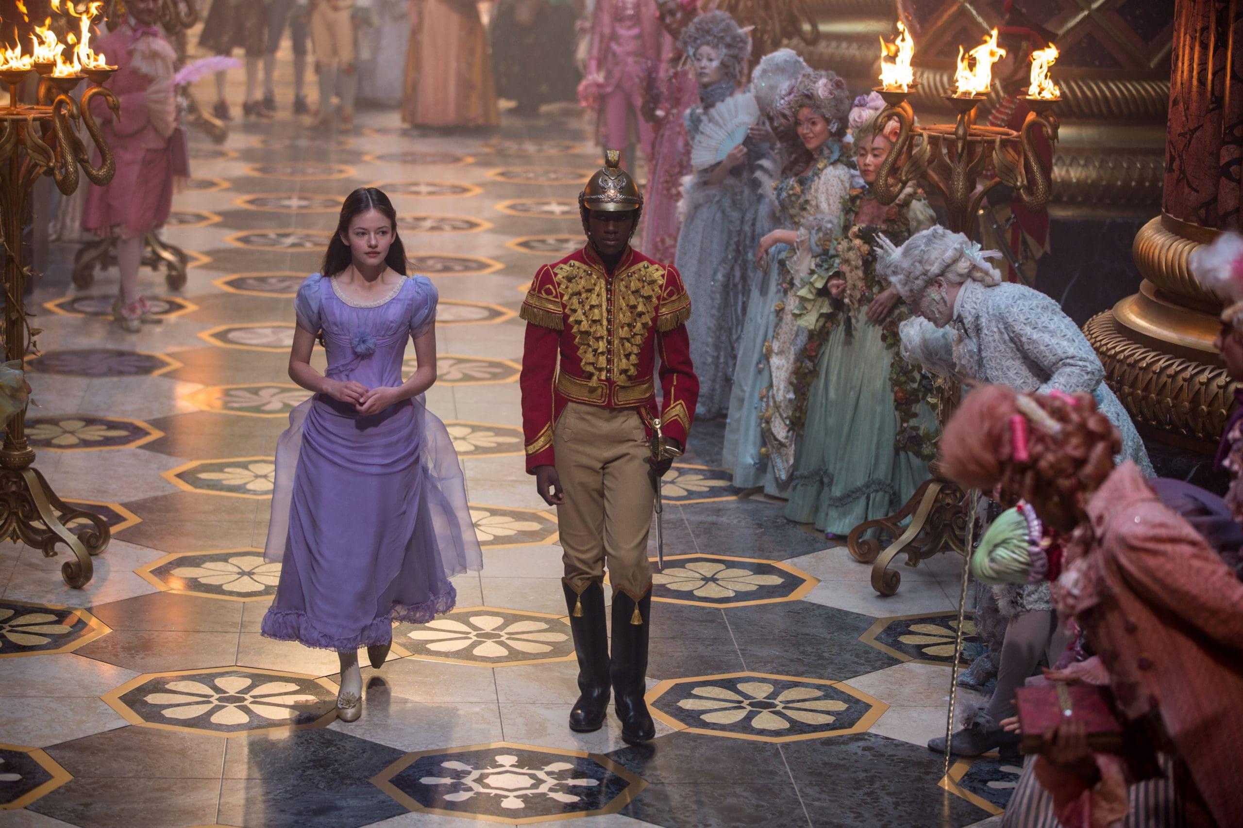 Clara (Mackenzie Foy) und Phillip (Jayden Fowara Knight)